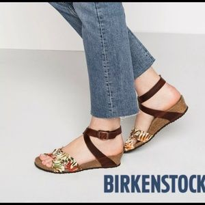 Birkenstock-NWOT Papillio Lola Floral BirkoSandal